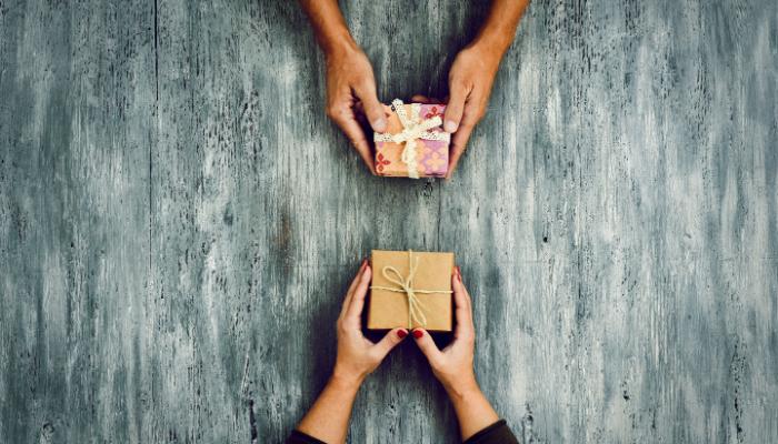 Att köpa presenter på en budget